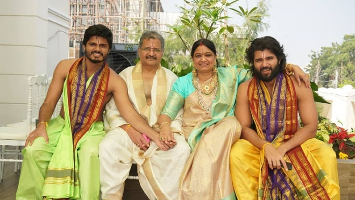 Vijay Deverakonda feels scared in new house, needs mother to feel safe