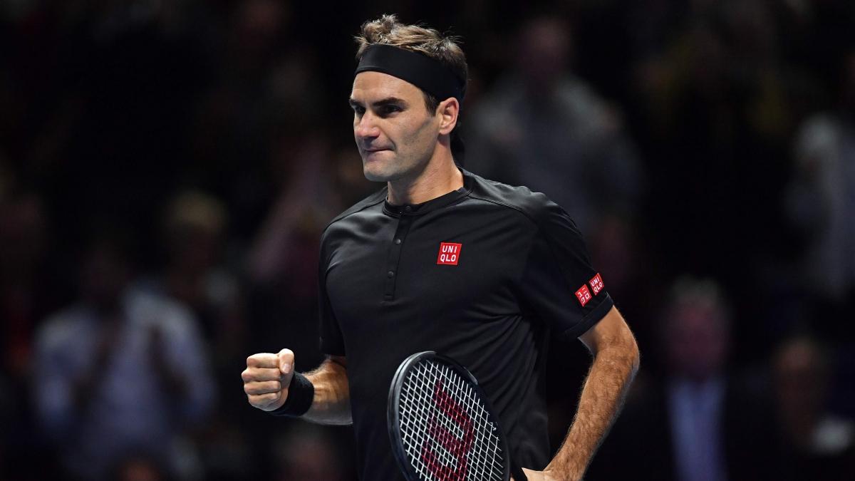 ATP Finals: Roger Federer beats Novak Djokovic to reach semifinals