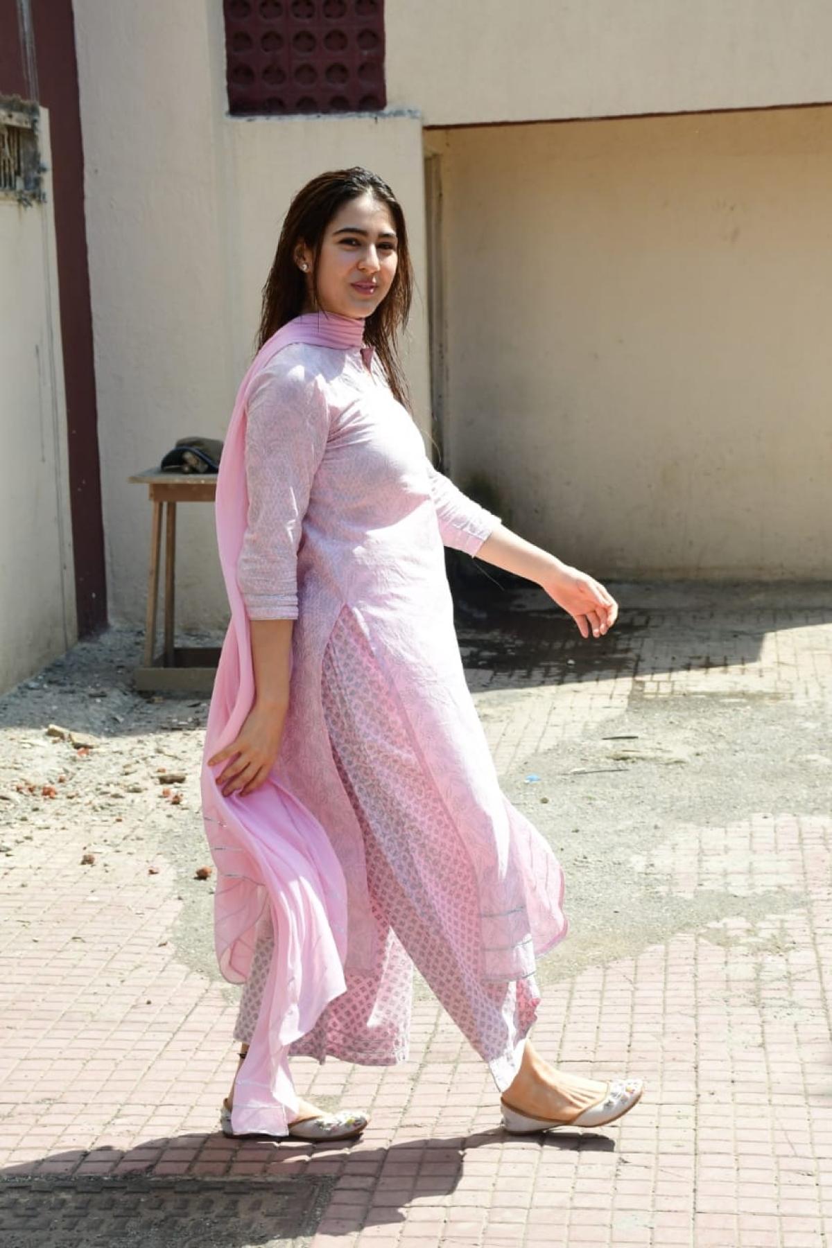Pretty in Pink: Sara Ali Khan is making us fall in love