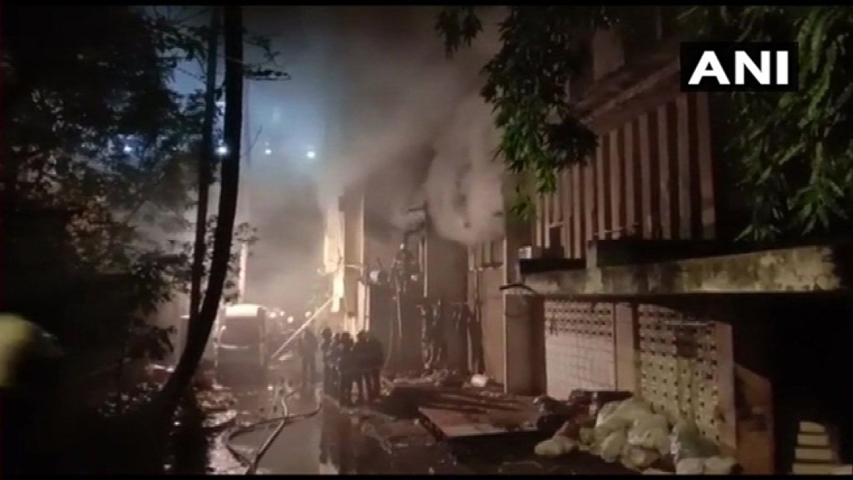 Mumbai: Major fire breaks out in godown in Malad, no injures reported