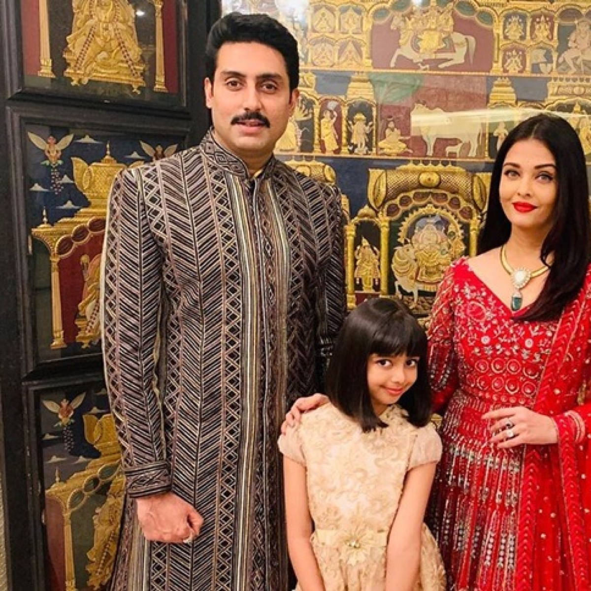 Aishwarya, Aaradhya, and Abhishek Bachchan pose for a 'royal family' picture