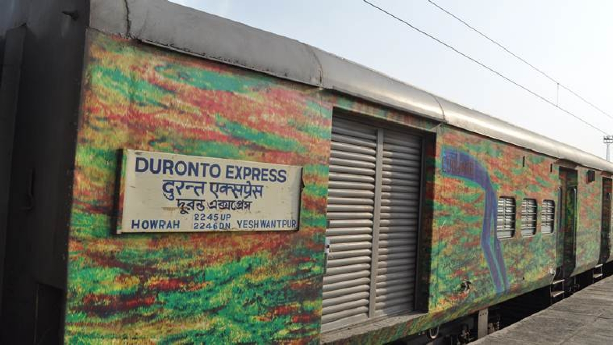 High-priced evening tea: Chai pe charcha on Duronto to get expensive, Rs 50 for tea!