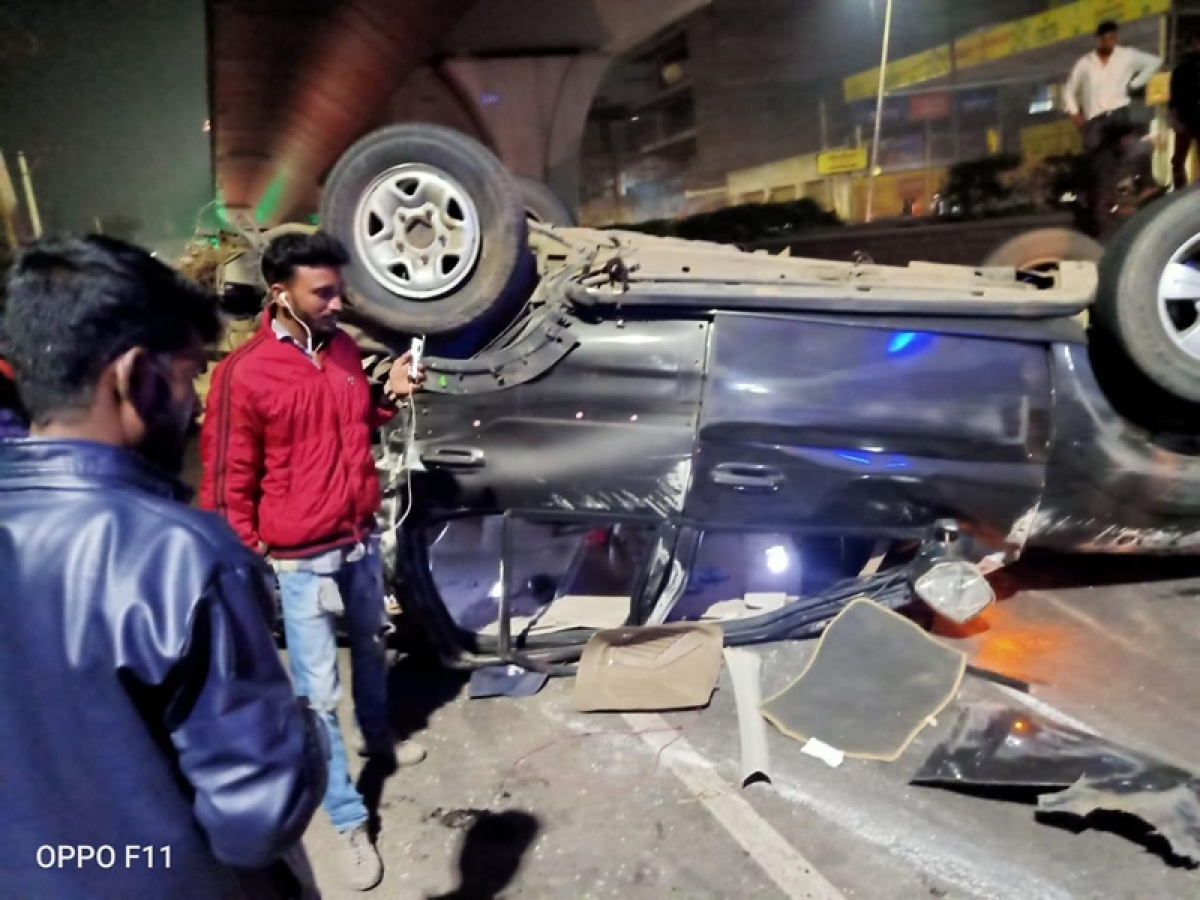 Telangana: 2 dead, 1 injured after car rams into pillar and overturns