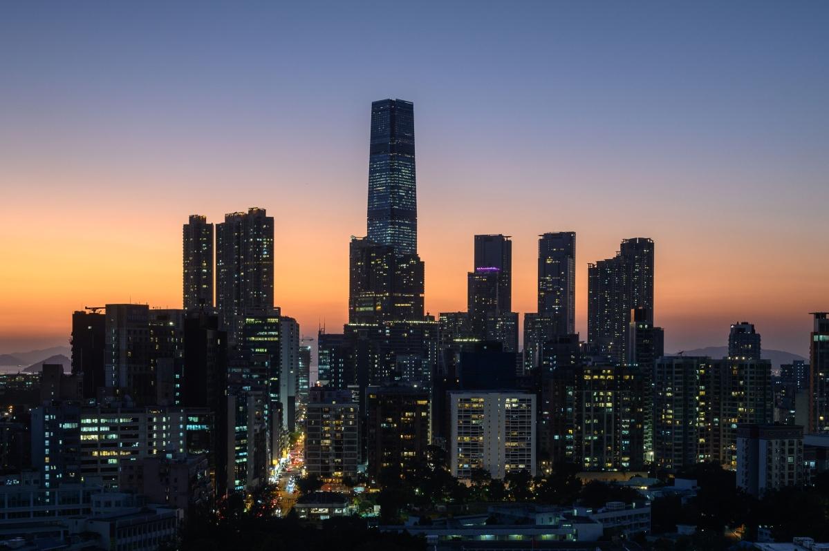 Hong Kong: Police to guard polling stations