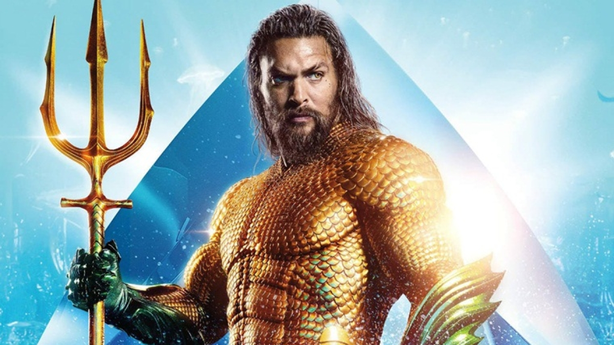 Where does Aquaman go to use the bathroom? Jason Momoa answers burning questions from Kelly Clarkson's kids