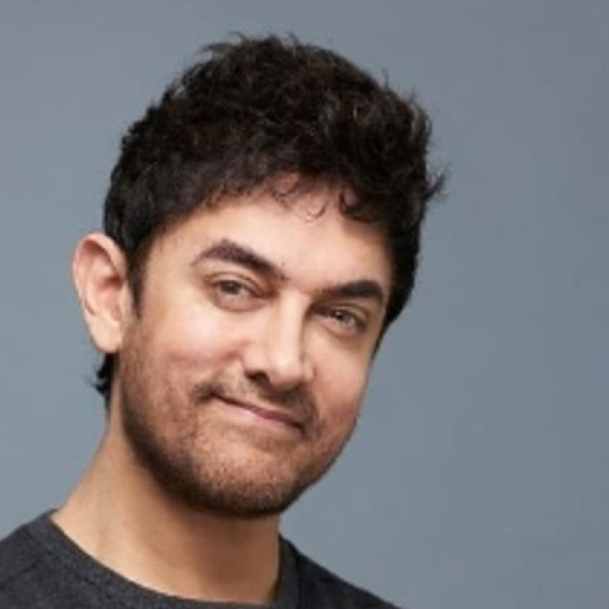 Aamir Khan flies to Bengaluru amidst shooting of Laal Singh Chaddha to watch daughter Ira Khan's play