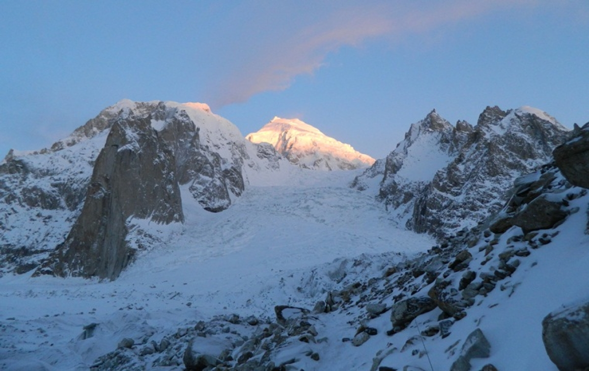 Four Army personnel, two porters killed after avalanche hits Army positions in Siachen Glacier