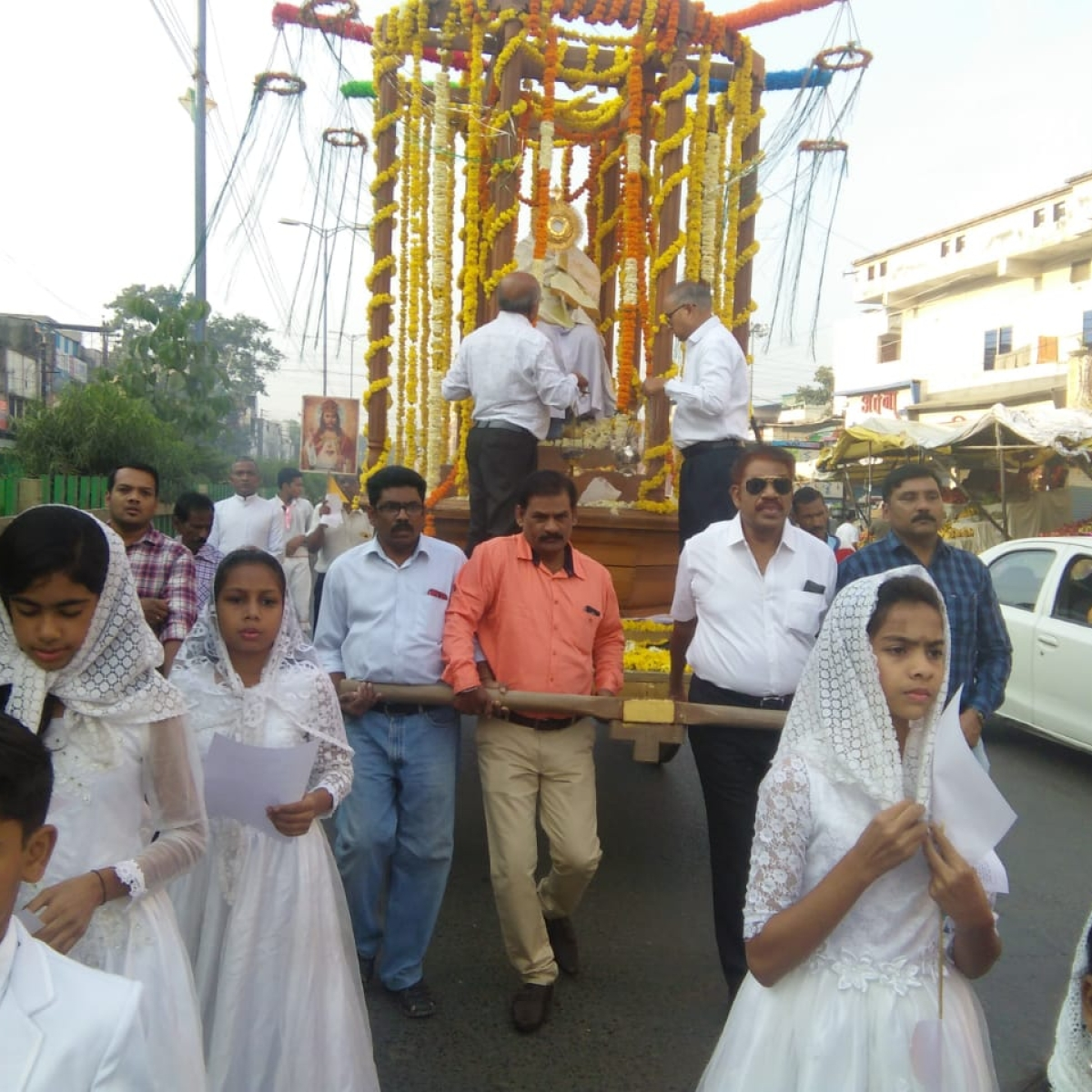 Indore: Procession, mass marks Christ the King celebrations