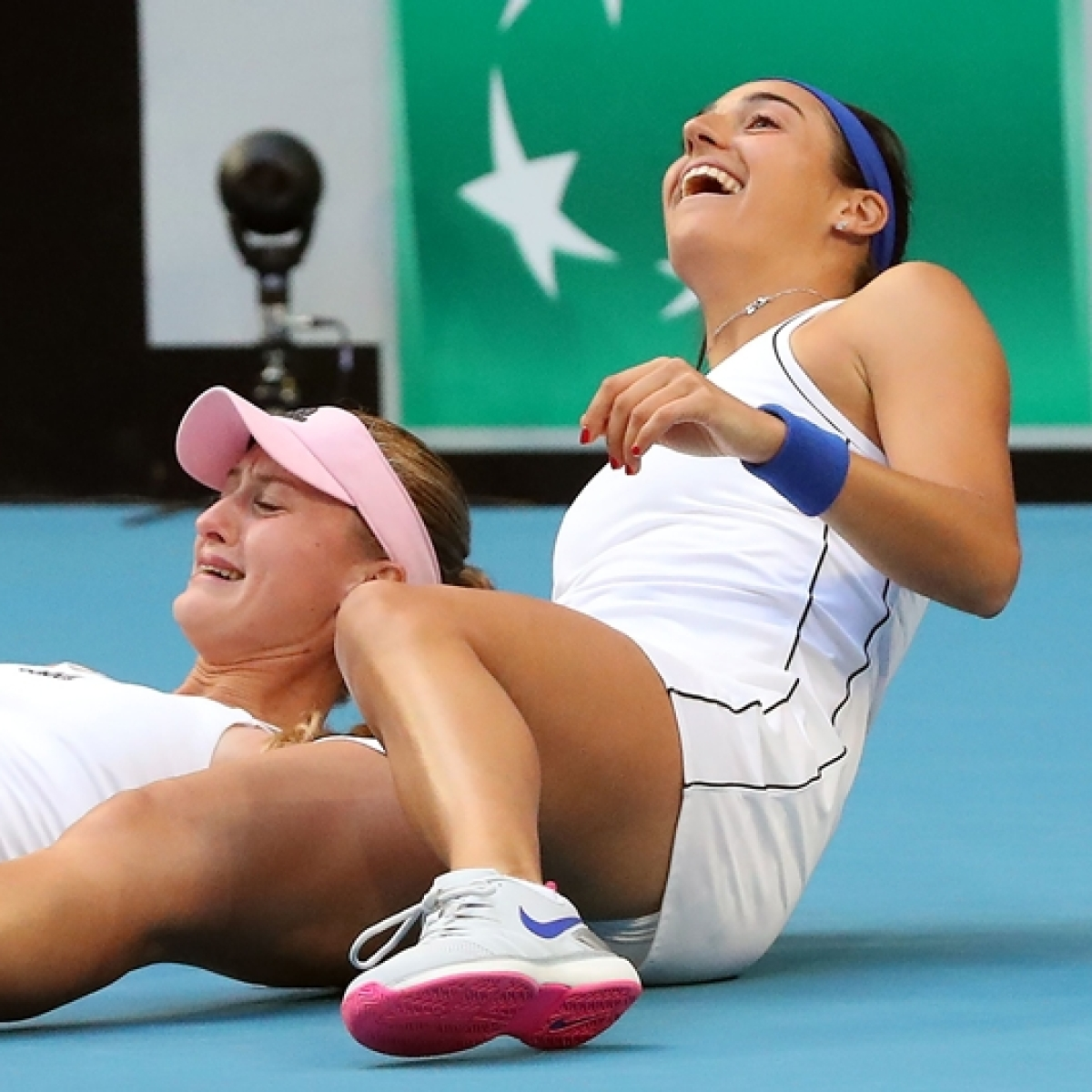 France win Fed Cup title after 16 years, Australian dream prolonged