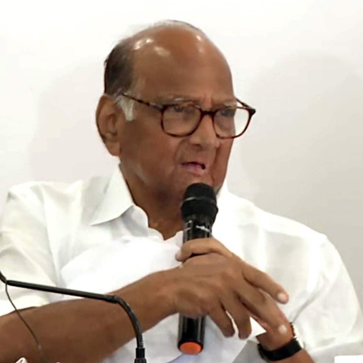 'Need patience, understanding and proper vigilance', appeals Sharad Pawar as confirmed coronavirus cases cross 400