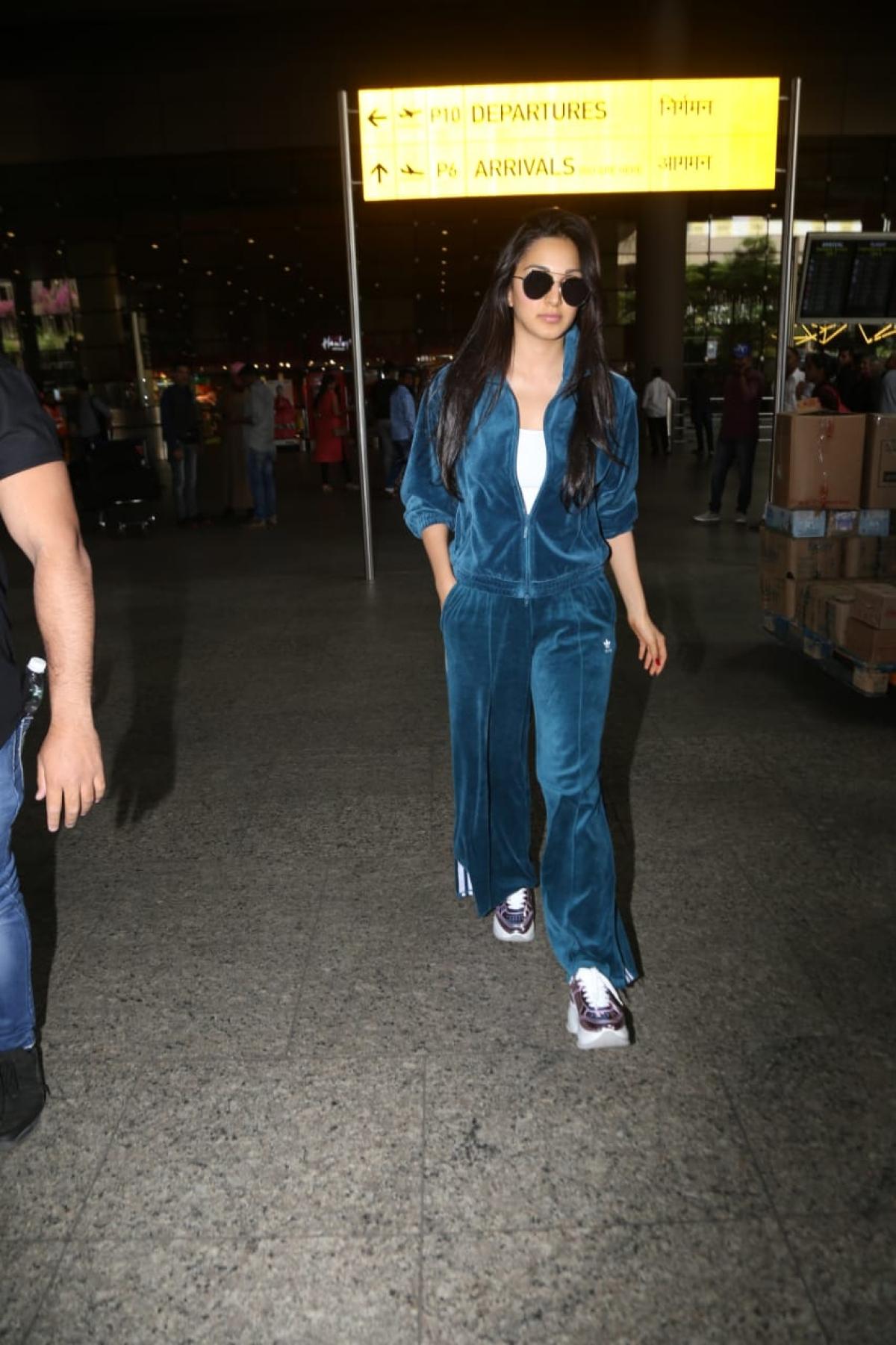 Kiara Advani's dapper airport look will make your heart skip a beat