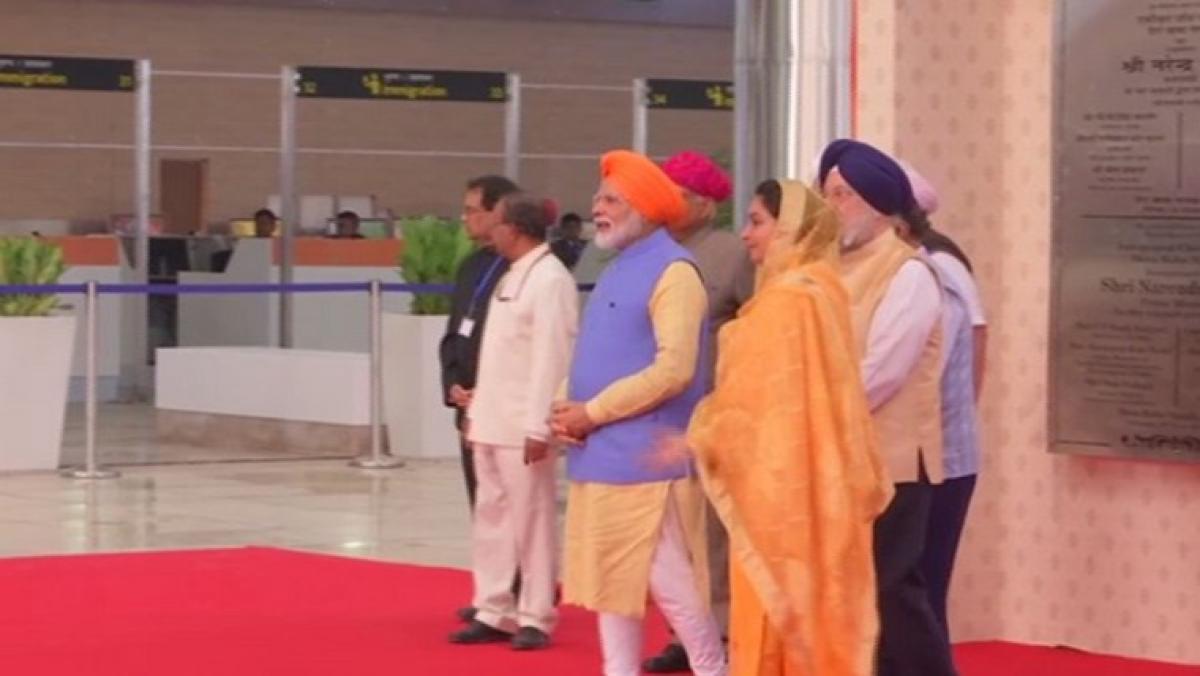 PM Modi opens Kartarpur corridor, first batch of pilgrims enter Pakistan