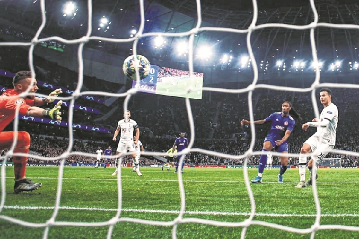 Jose Mourinho's Home Run: From 0-2 down, to 4-2, Spurs run riot against Olympiakos