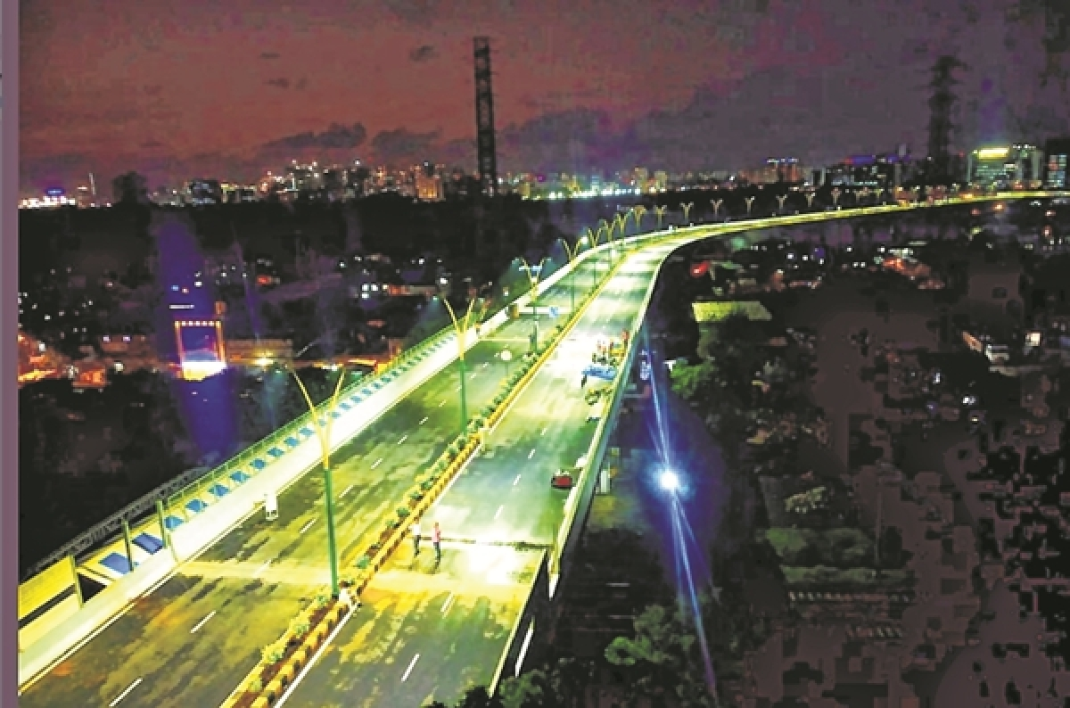 Relief from traffic snarls: Devendra Fadnavis opens BKC-Chunabhatti flyover with tweet