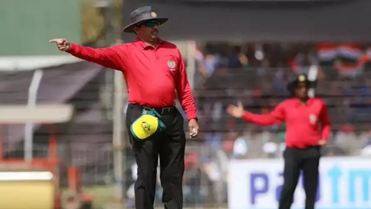 IPL 2020 to have an extra umpire just for no-balls?