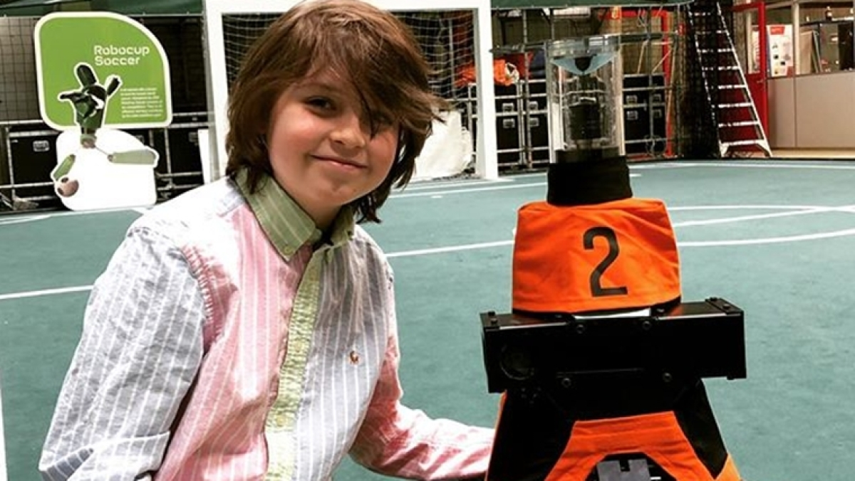 This 9-year-old is about to get his Bachelor's degree in electrical engineering
