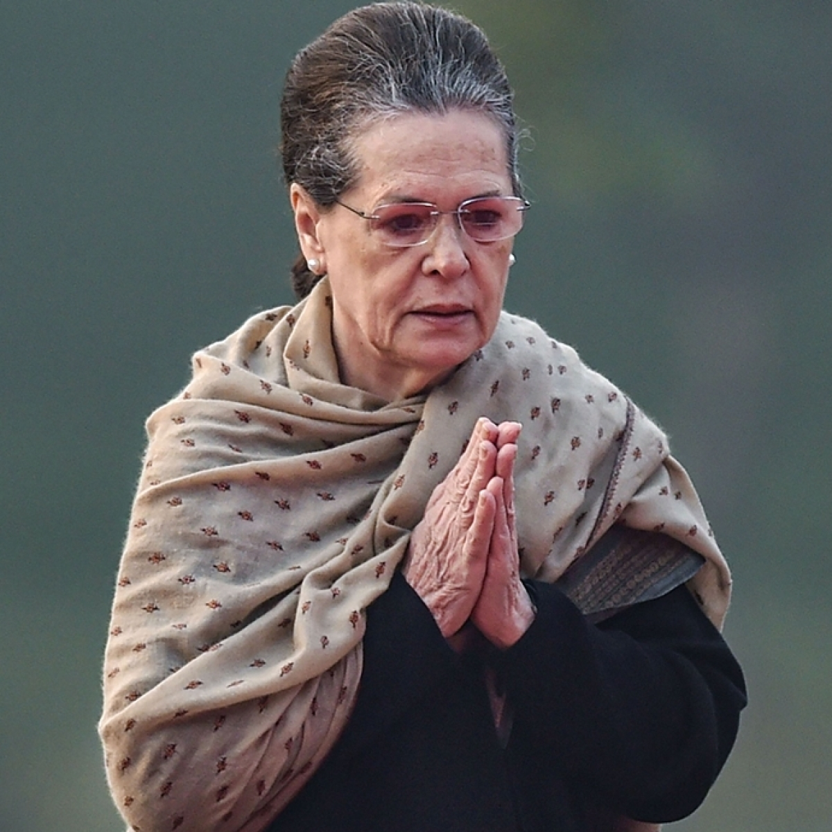 Shocking: Google shows Cong president Sonia Gandhi's pictures when you search 'Italian Bar Dancer'