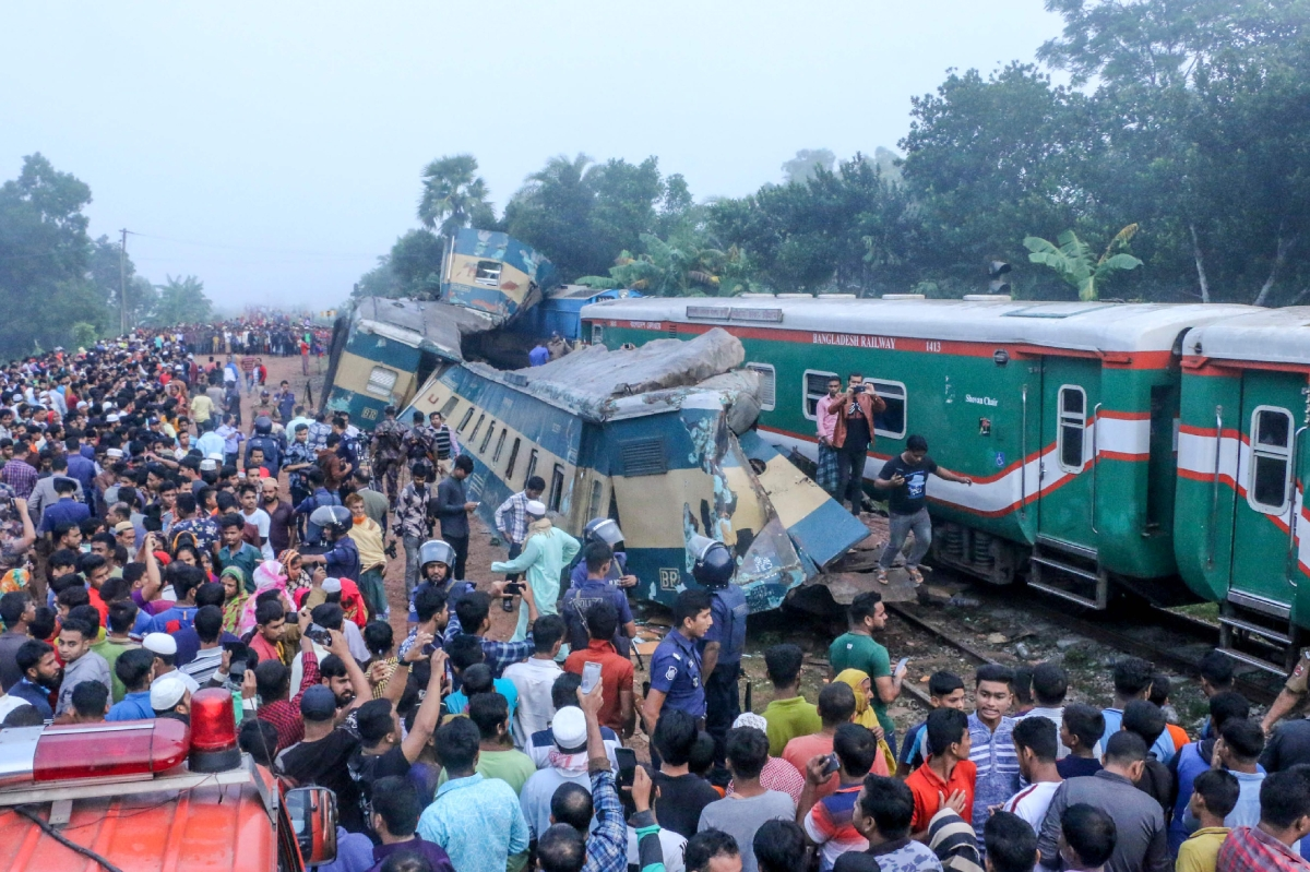 Bangladesh train accident kills 16, injured 60