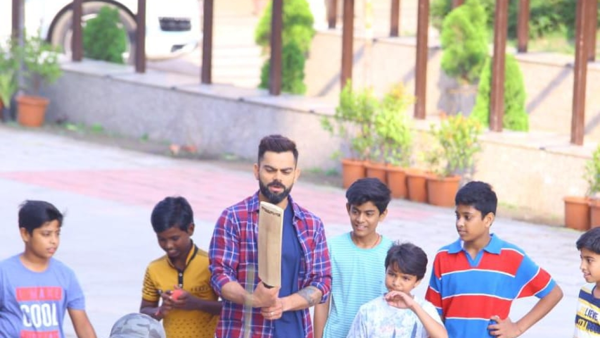 Indore: Virat spend time in ad shooting and 'guly cricket' with kids