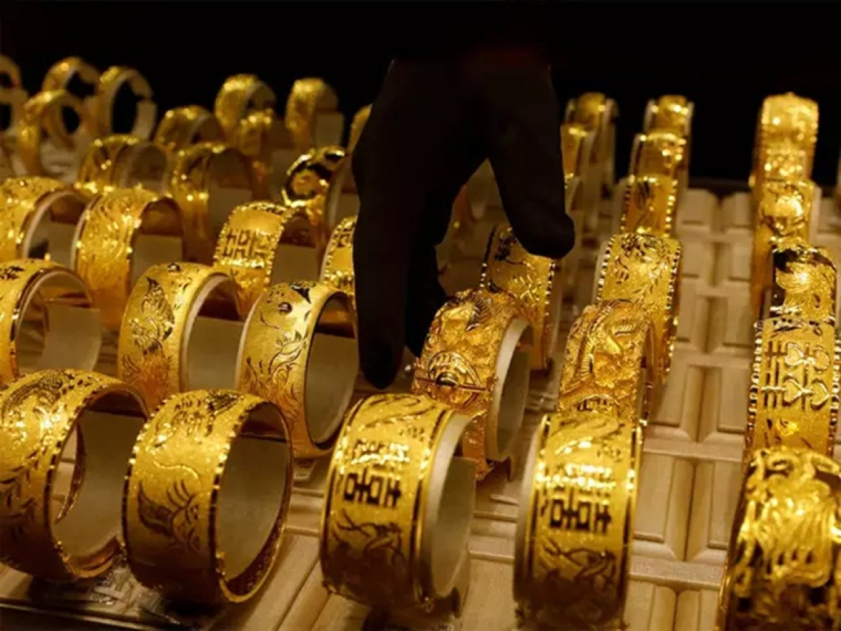 Gold price today: Yellow metal jumps Rs 44 to Rs 46,205 per 10 gram