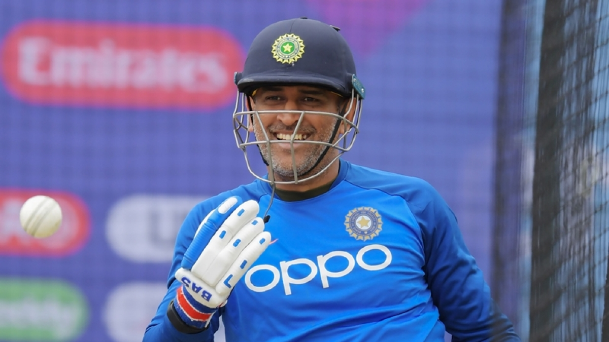 #ThankYouDhoni trends on Twitter after MS Dhoni not included in BCCI's annual contract