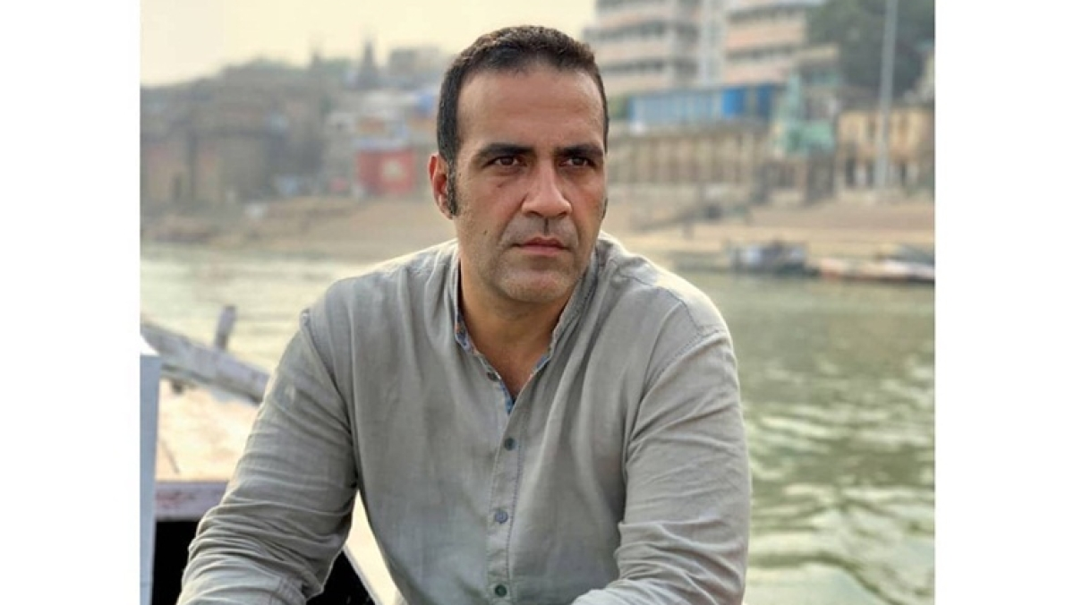 Top authors including Pamuk, Rushdie urge PM Modi to restore Aatish Taseer's OCI card