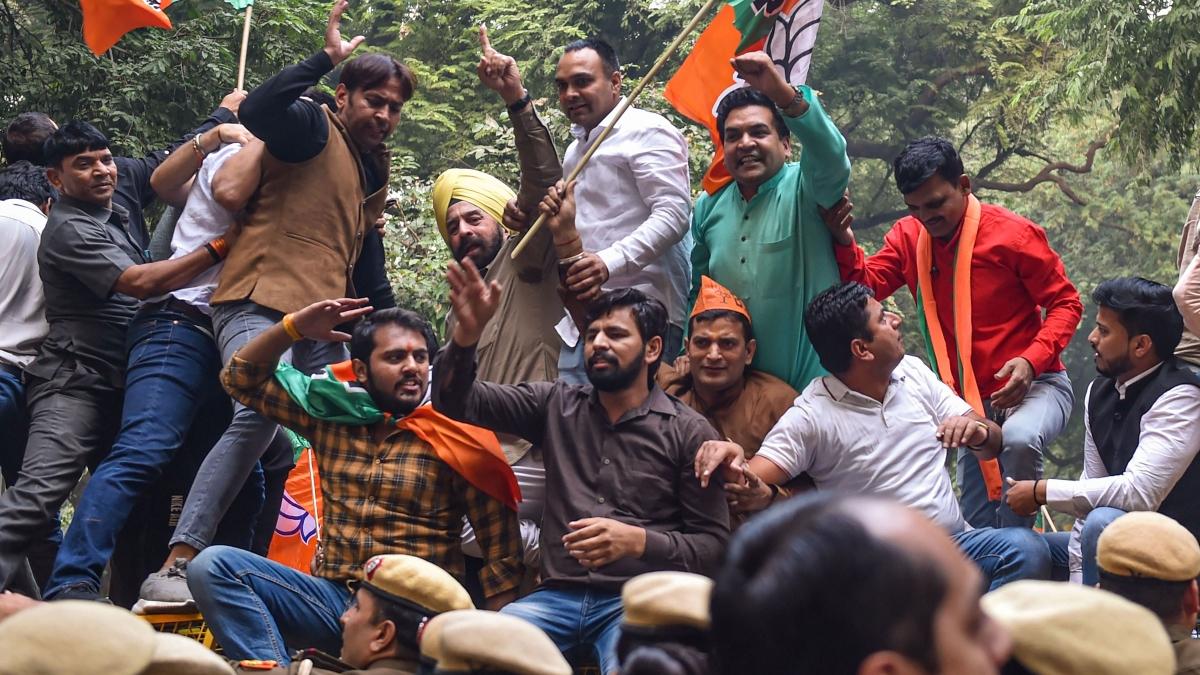 Delhi BJP protests near Cong HQ after SC verdict on Rafale deal