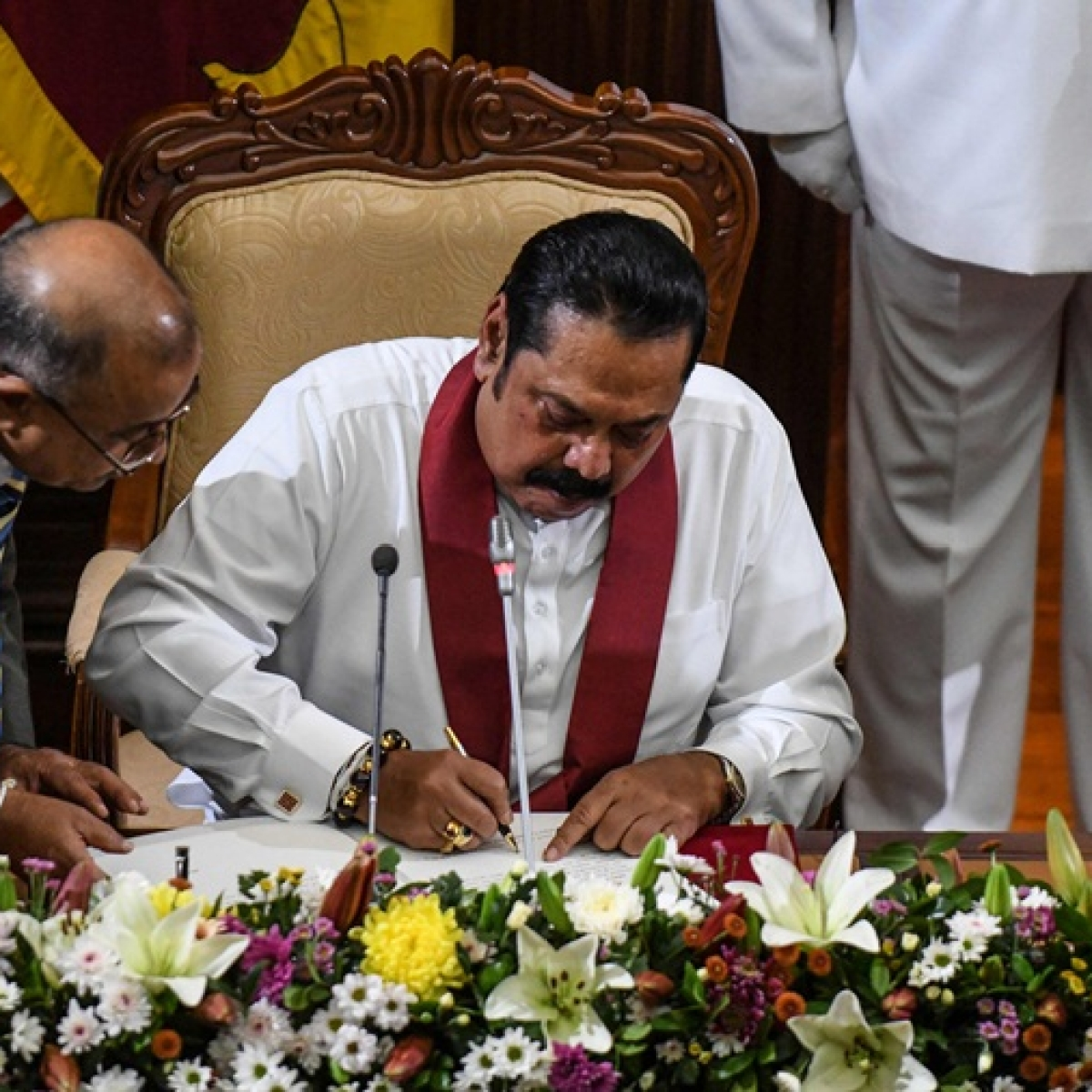 Mahinda Rajapaksa sworn in as Sri Lanka's new prime minister