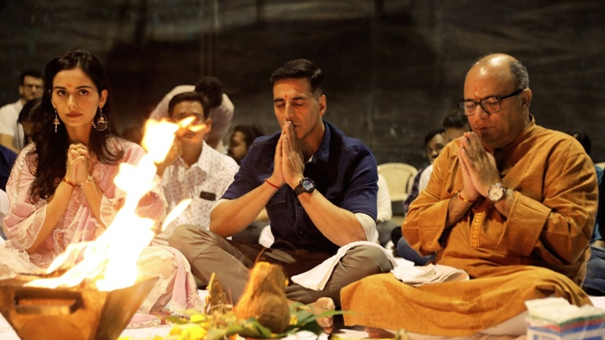 Video: Akshay Kumar, Manushi Chillar perform puja as 'Prithviraj' shooting begins soon