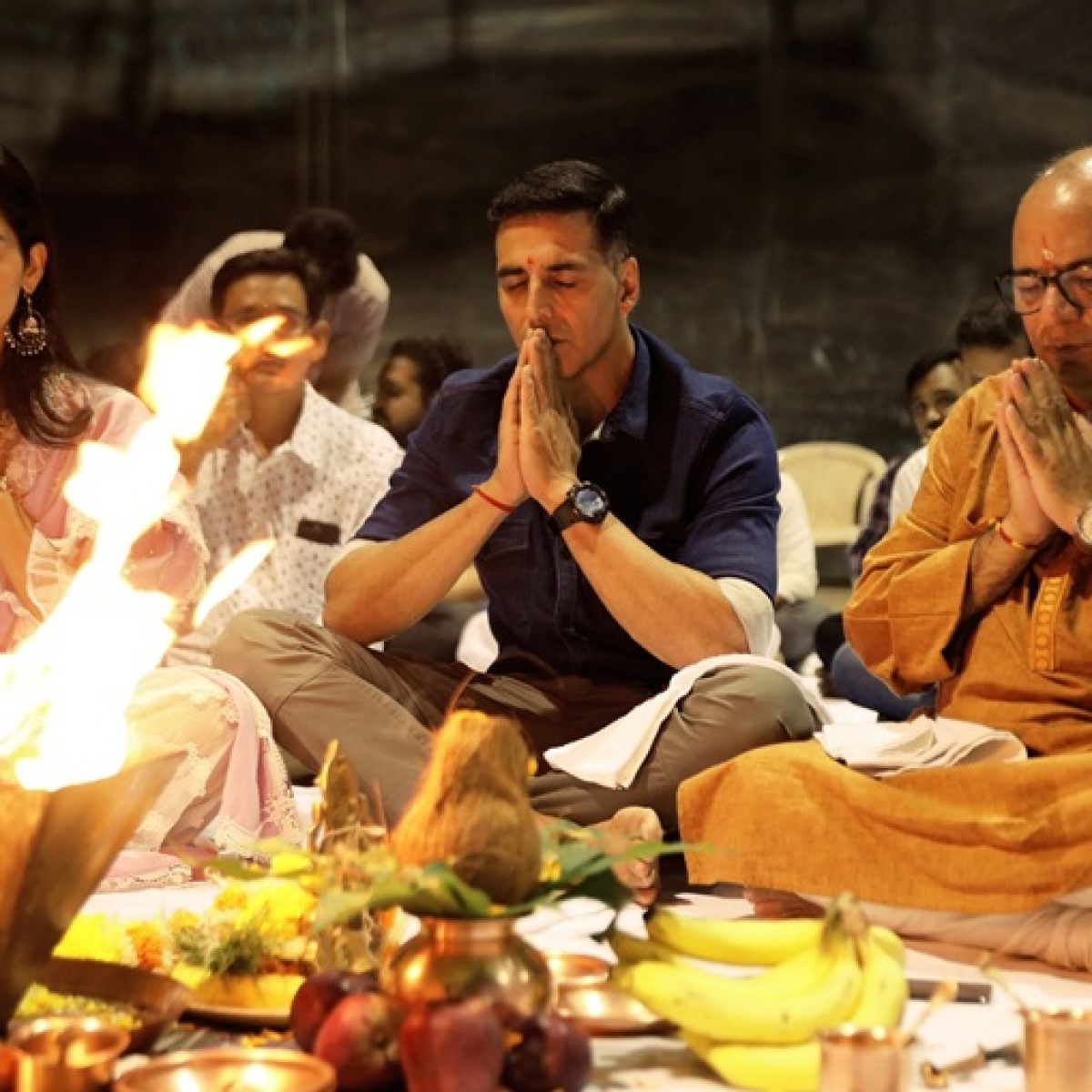 Video: Akshay Kumar, Manushi Chillar perform puja as 'Prithviraj' shooting begins soon