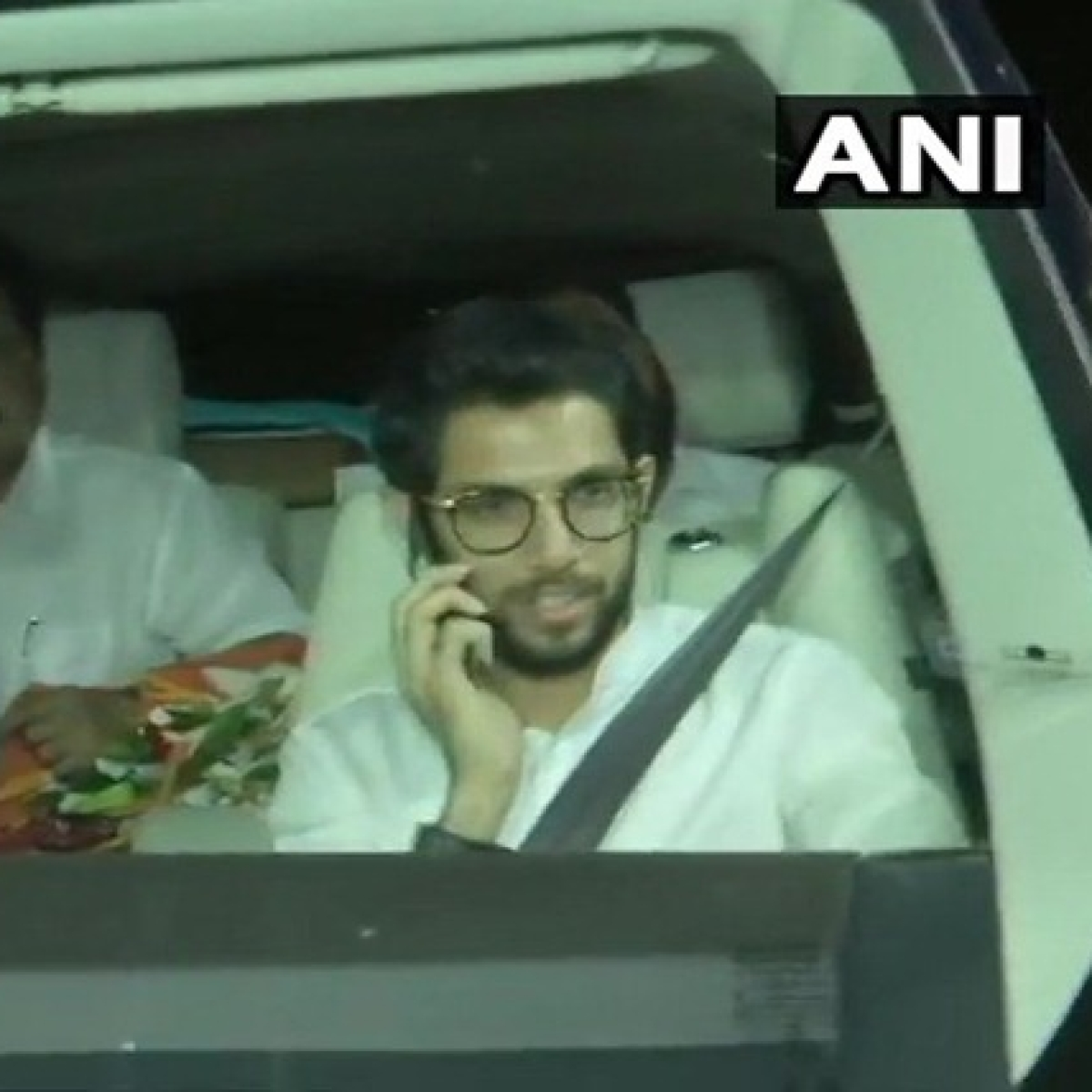 Sena leaders on way to Raj Bhavan to stake claim to form govt