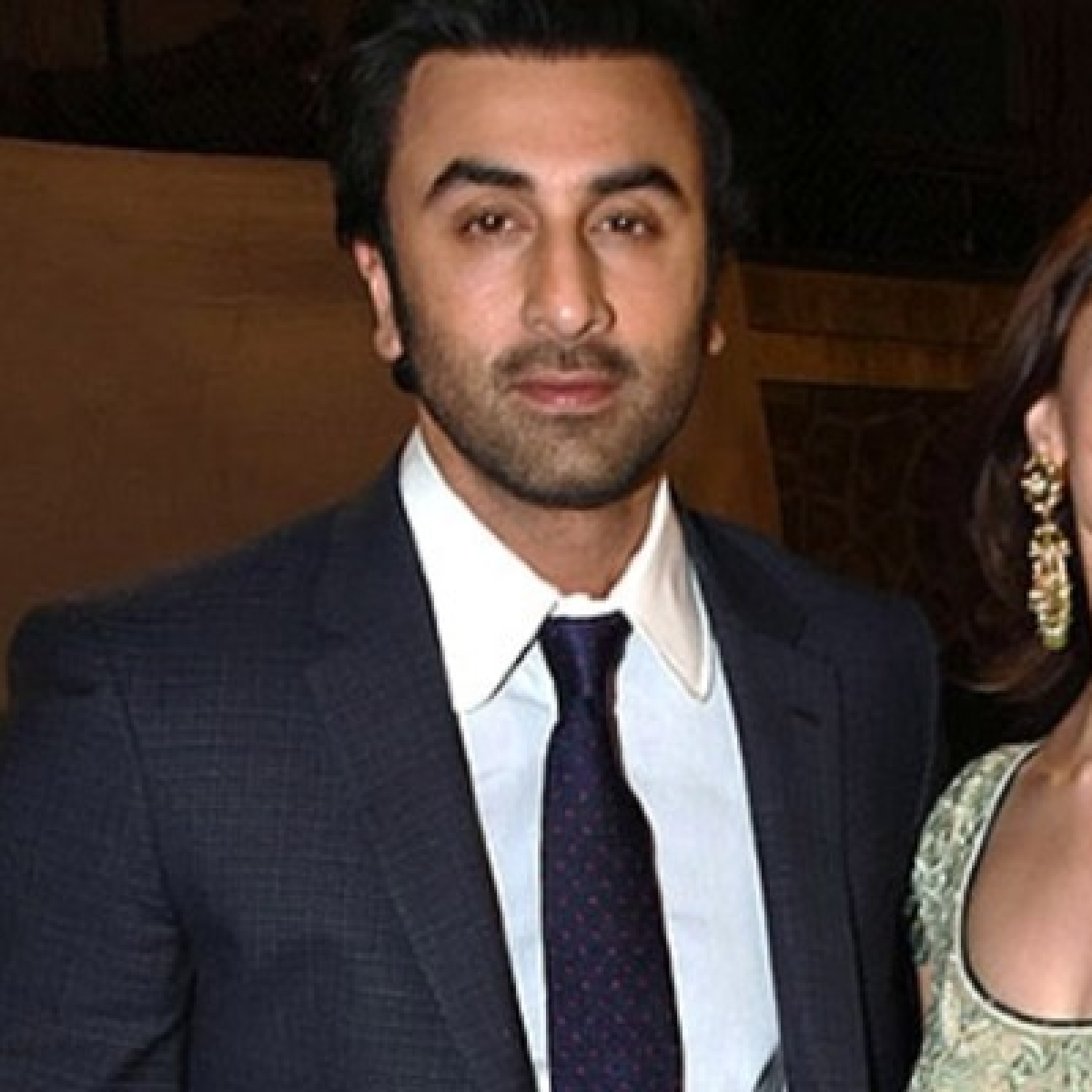 Alia Bhatt poses with beau Ranbir Kapoor's pet dogs, says 'they make everything better'