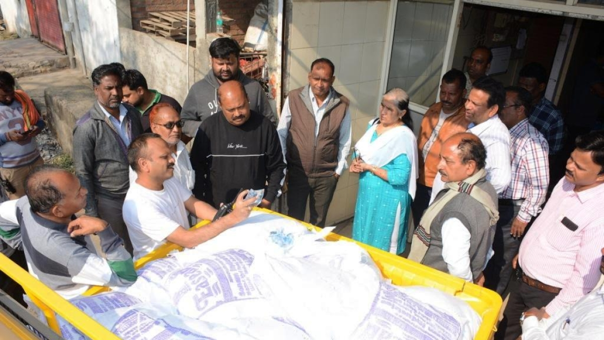 Ujjain: Substandard polythene water pouches seized, Rs 10k fine imposed