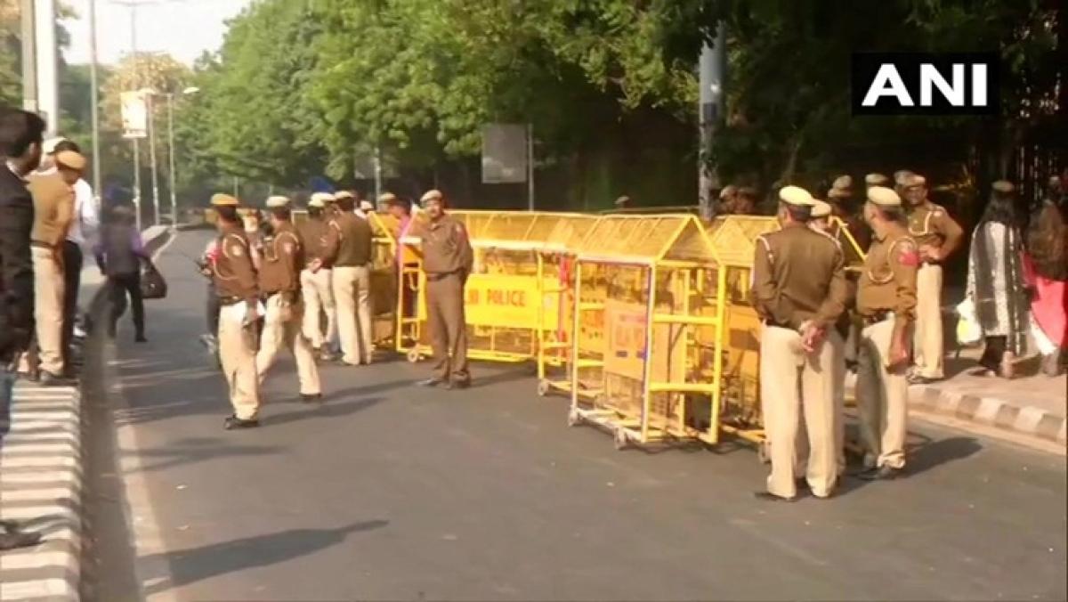 JNU Protest: Modi govt appoints three-member committee; Delhi metro affected