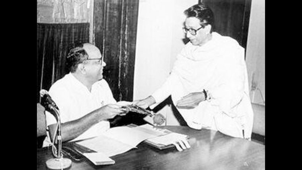 Sharad Pawar and Bal Thackeray - how Maharashtra's two tallest leaders never made it personal