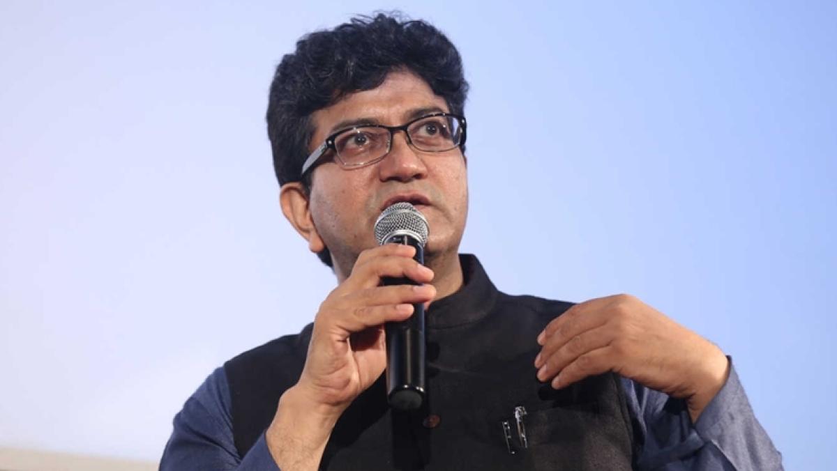 'An honour that his craft is reflected in my work': Prasoon Joshi on Big B crediting his poem to Harivansh Rai Bachchan