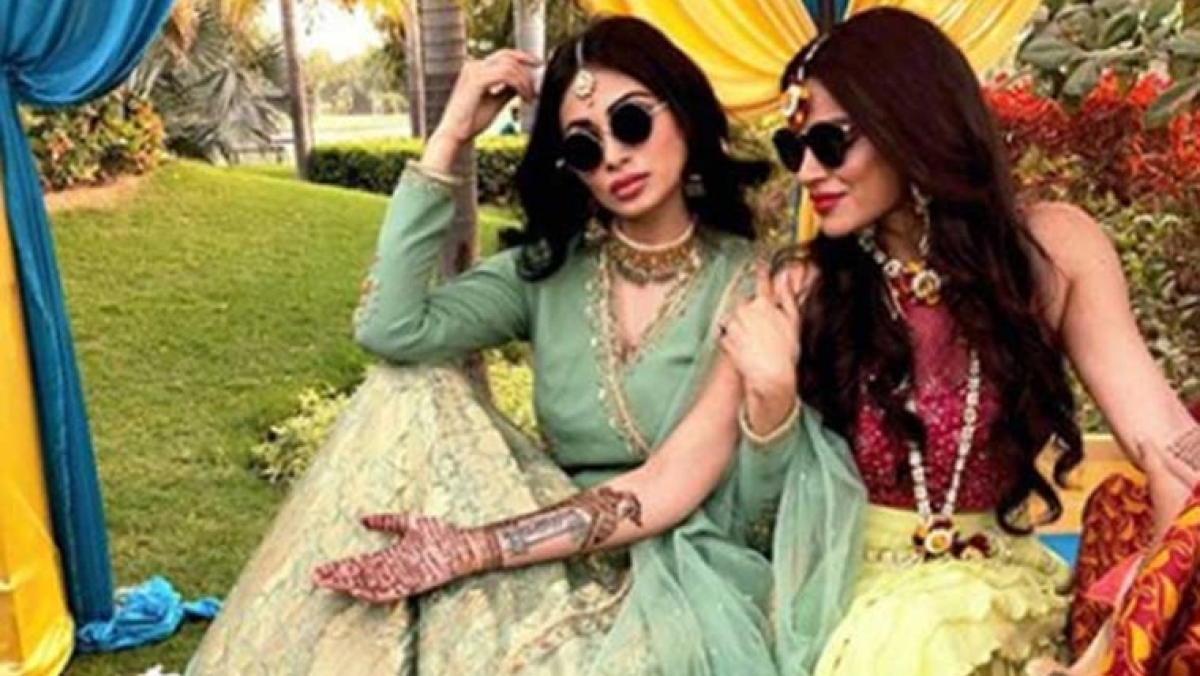 BFF goals: Mouni Roy pens down special message for birthday girl Aashka Goradia