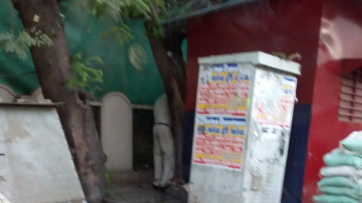 Indore: Cop caught on camera urinating in public