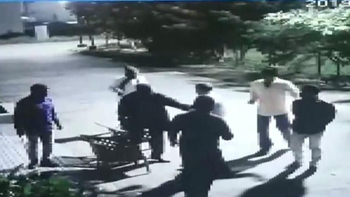 Watch CCTV footage: 5 men break into builder's residence, keep guard at gunpoint