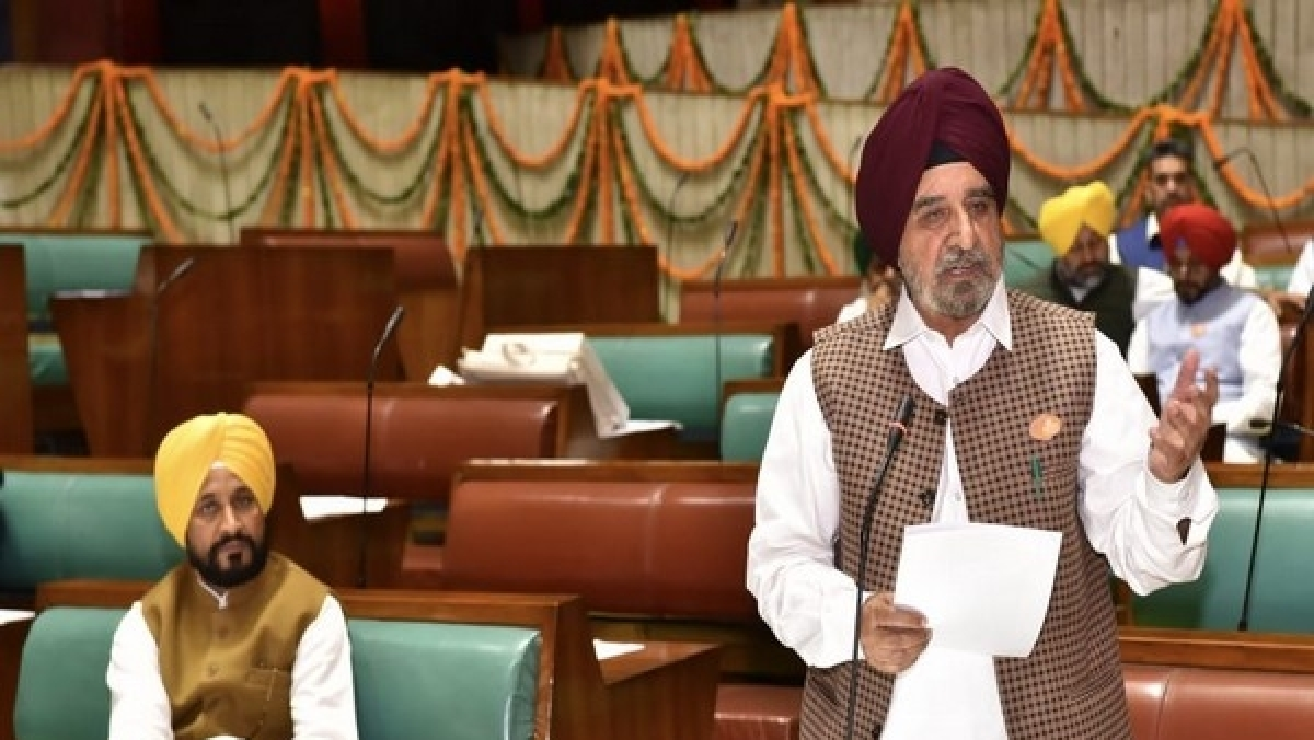 Punjab assembly passes resolution to allow TV, radio channels to air live Gurbani from Golden Temple