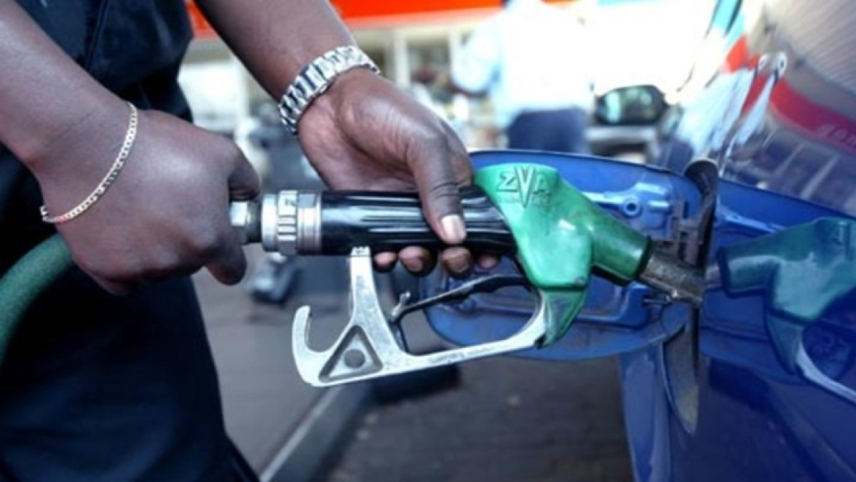 Petrol, diesel prices remain unchanged today