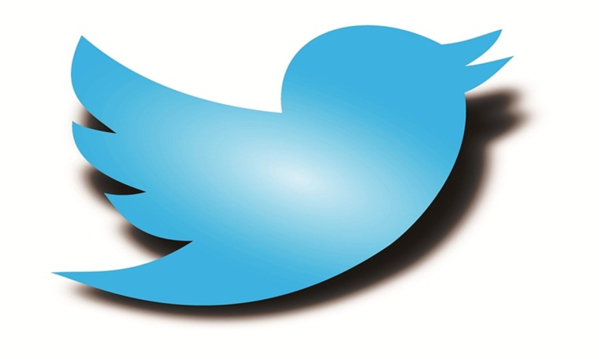 Twitterati take aim at Sena for talks with Cong, NCP
