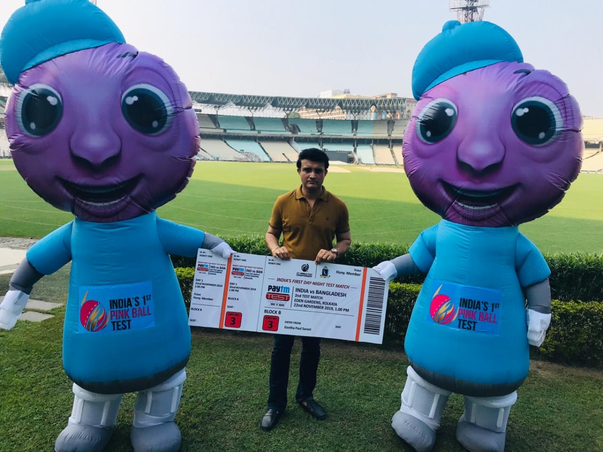 Sourav Ganguly with pink ball Test mascots.