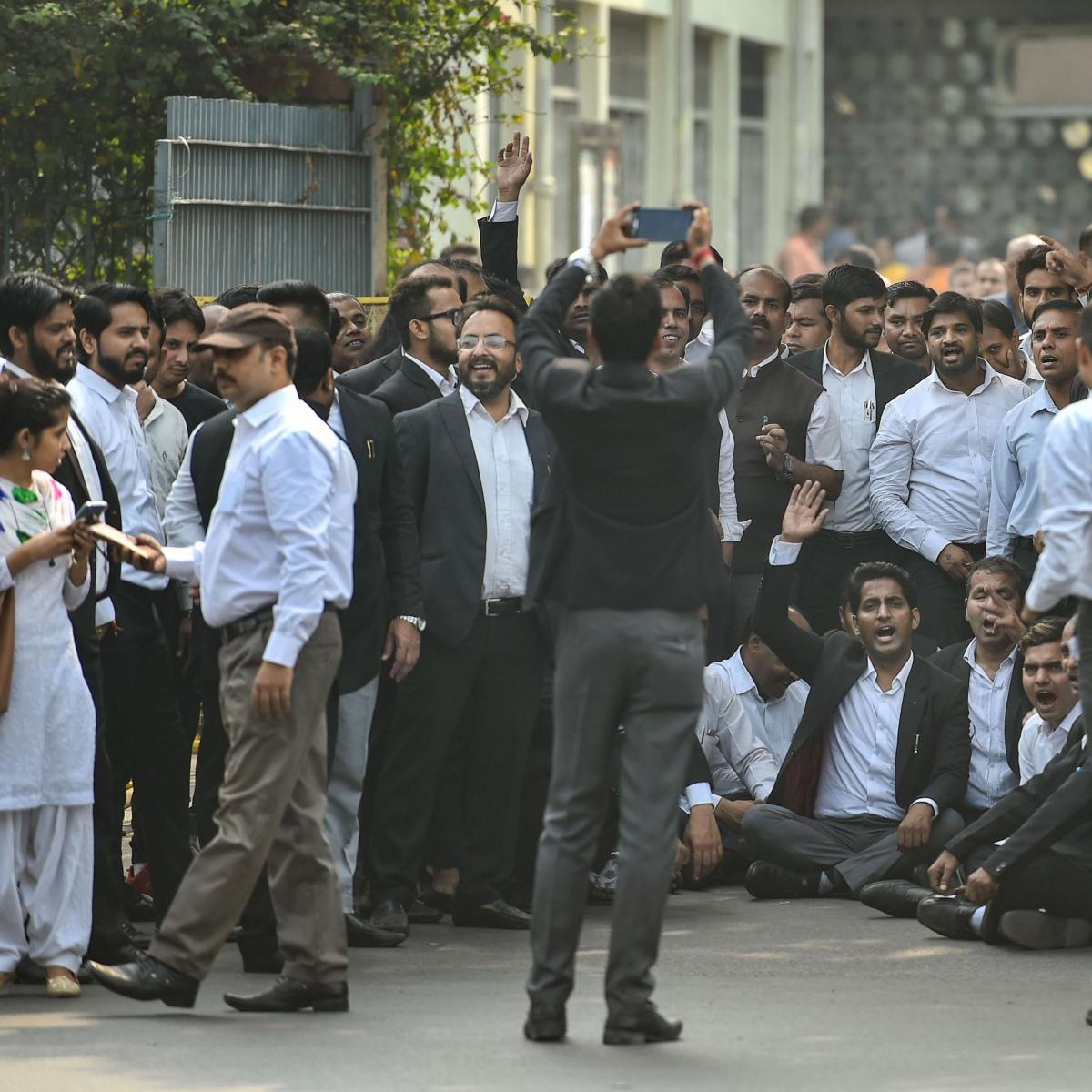 Tis Hazari clash: Delhi HC adjourns plea against disruption of work in district courts