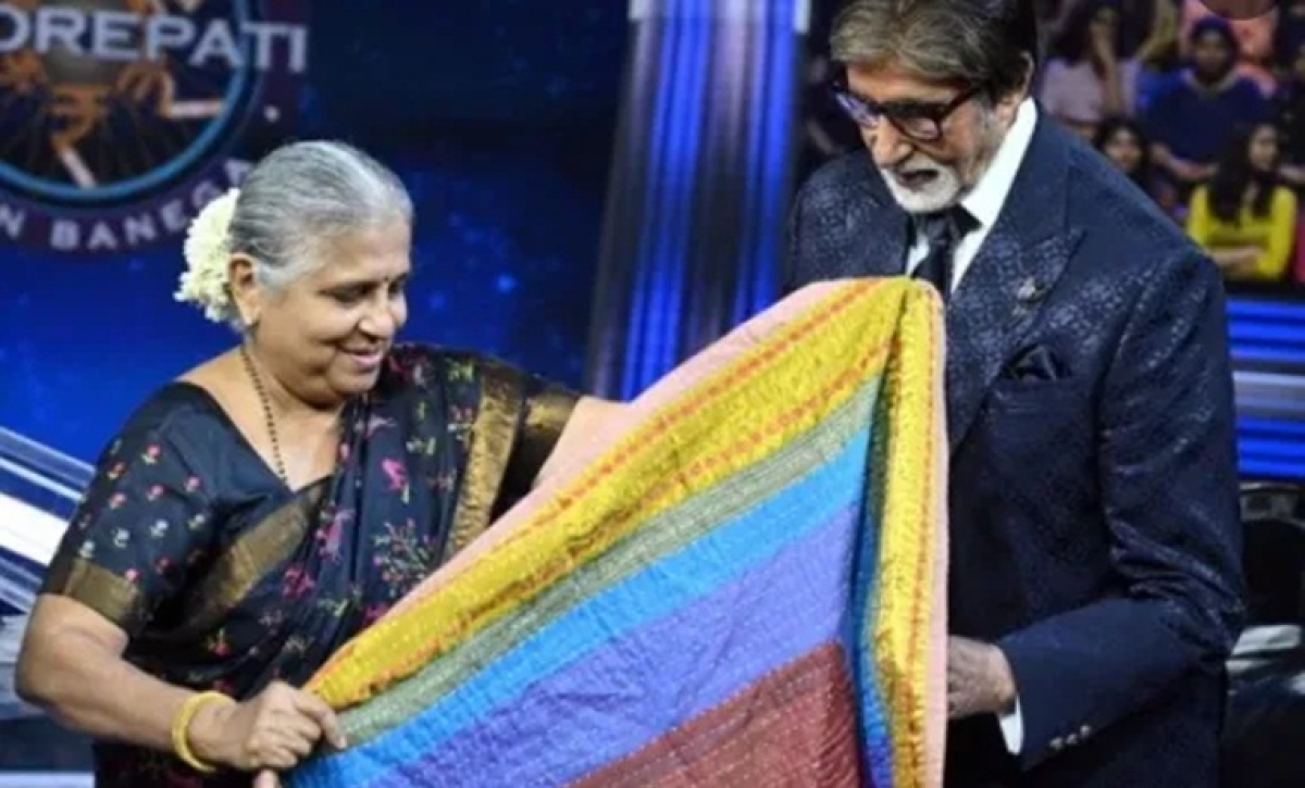 KBC 11: Sudha Murty gifts Amitabh Bachchan a beautiful chadar stitched by Devadasis