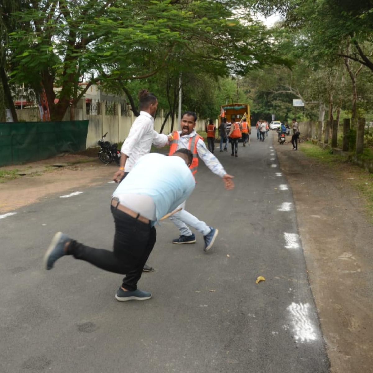 Indore: Minister's men unleash violence, thrash IMC employees