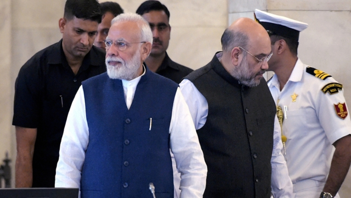 Decision of Fadnavis' resignation taken during Modi-Shah meeting post-Constitution Day session