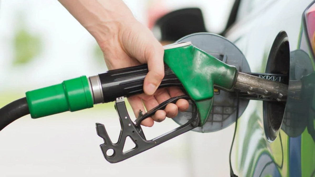 Petrol and diesel prices remain unchanged after three days of cut