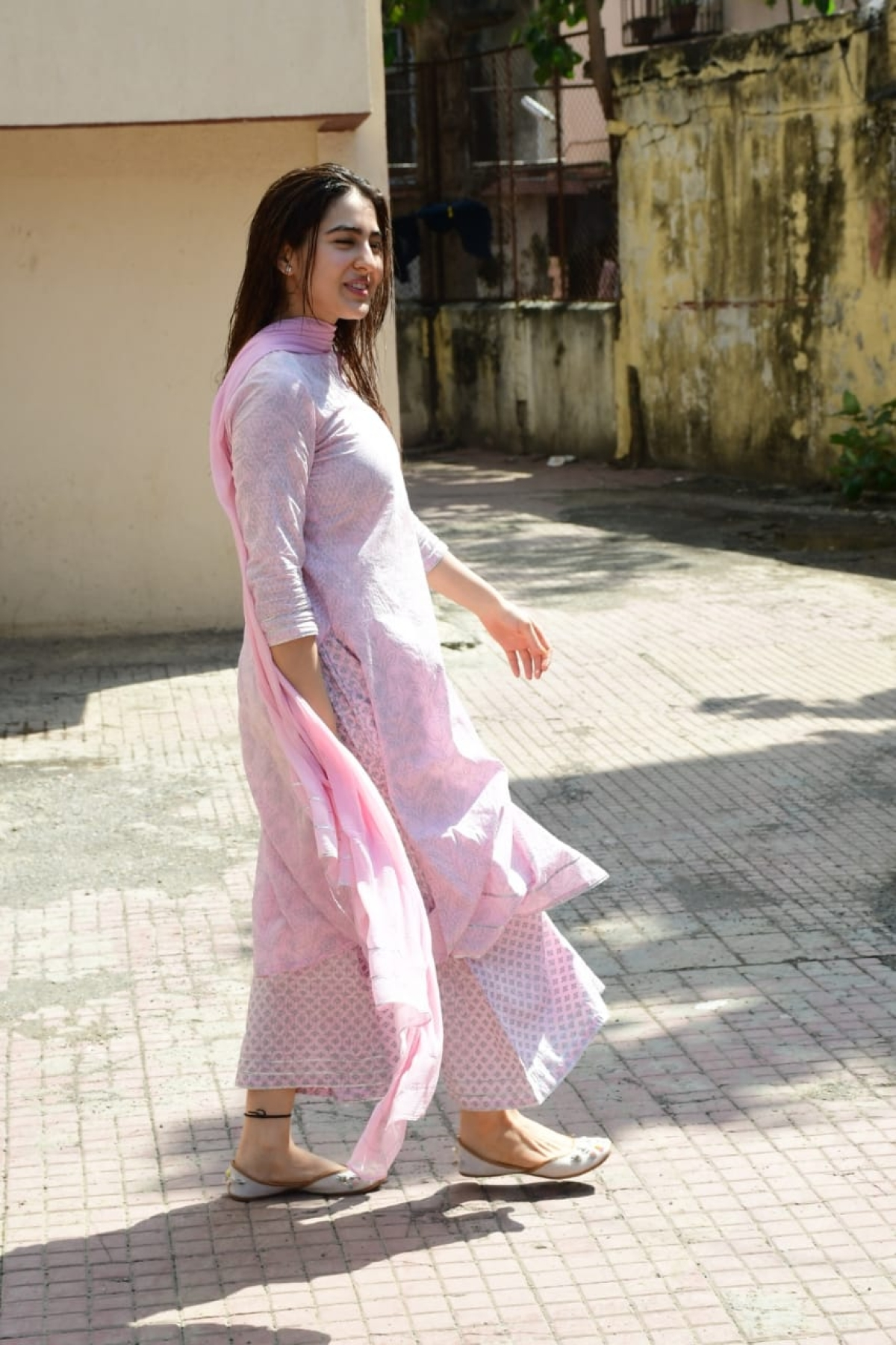 Sara Ali Khan Is An Ethnic Princess Straight Out Of A
