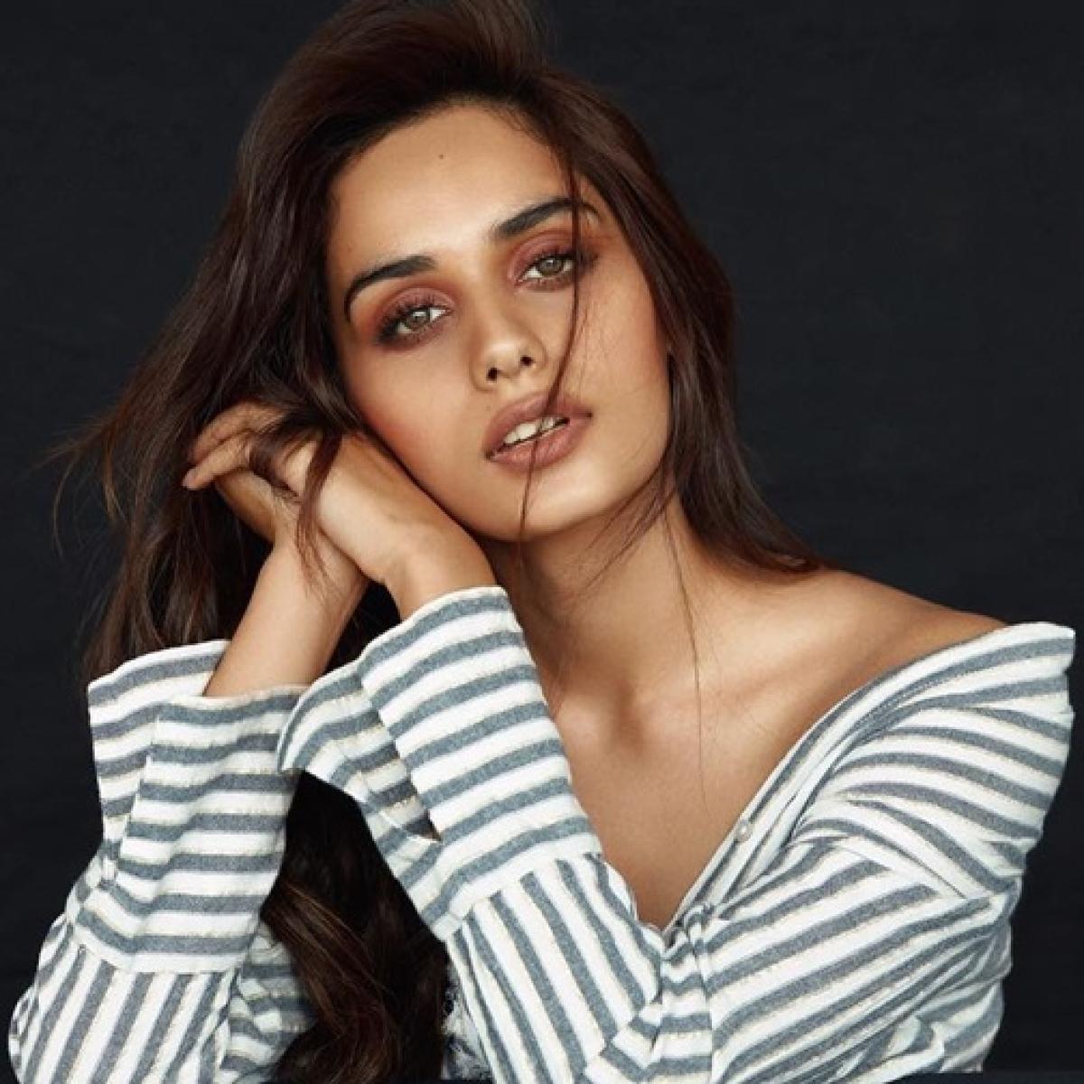 Former Miss World Manushi Chhillar to star opposite Vicky Kaushal in YRF's comic flick